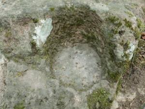 Torangelstein mit gepickter Innenfläche